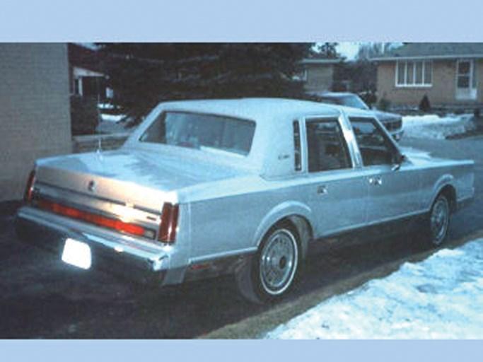 1988 Lincoln Town Car The Bid Watcher