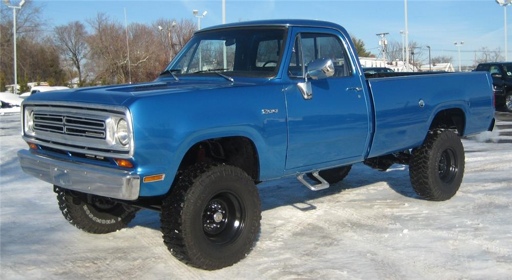 1976 DODGE D-200 PICK UP