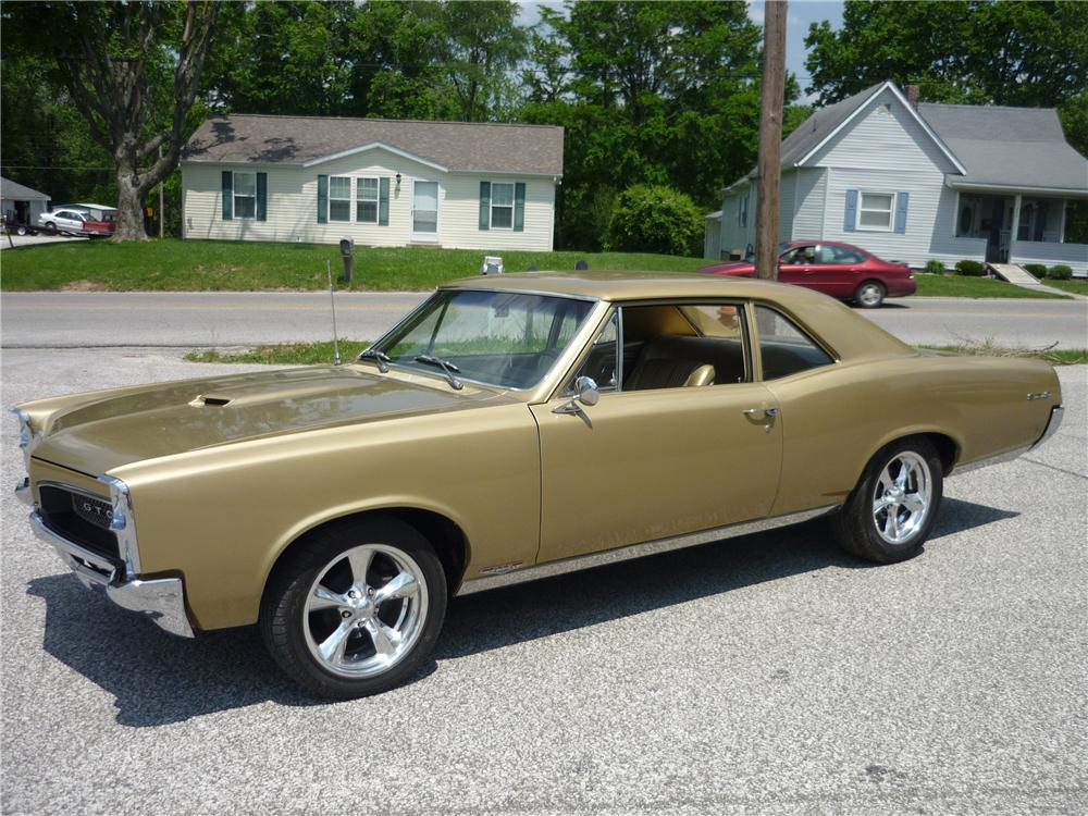 1967 PONTIAC GTO PILLAR COUPE