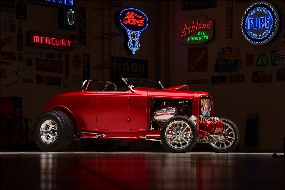 1932 FORD CUSTOM SHOW ROADSTER
