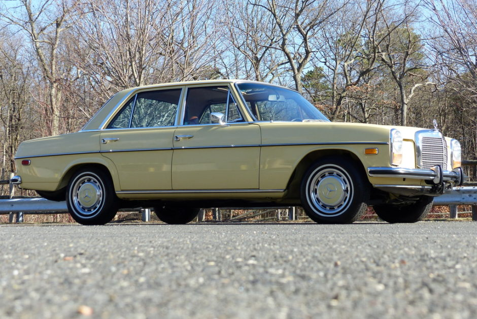 1973 mercedes-benz 220d 4-speed - the bid watcher