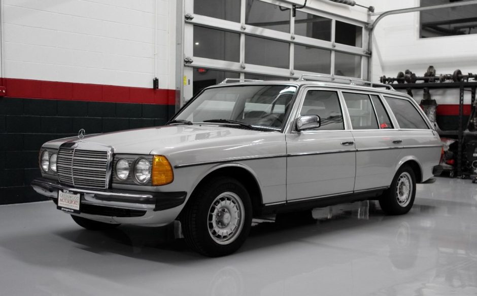 No Reserve: 1985 Mercedes-Benz 230TE